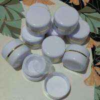 Pot Cream 15 gram warna putih