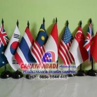 Bendera meja negara + tiang kayu