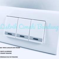 Panasonic Saklar Triple Iluminasi (3xWEJ5571) + Frame Panjang WEHJ6803