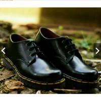 Sepatu Docmart Silky hitam