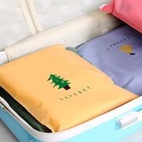 Kantong Plastik Travel dengan Ritsleting (Pohon Cemara) Limited