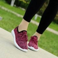 Sepatu Kets Wanita Adidas Yezi ND86