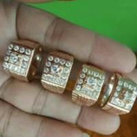 Cincin pria berlian