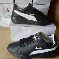 Sepatu Kets Wanita Puma RY25