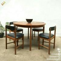 set meja makan bundar kayu jati