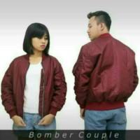 Jaket Bomber Couple Merah Marun bagi Pecinta  Pasangan Kekasih