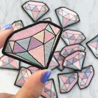 Iron Patch Diamond Color Ukuran L: 6cm T:4cm