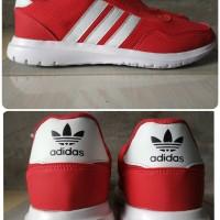 Sepatu Adidas Running Warna Merah Unisex