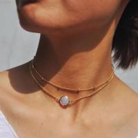 kalung emas dengan batu liontin