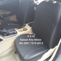 Sarung Jok Mobil Mitsubishi Expander Freelander Kombinasi Bintik