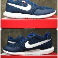 Sepatu Nike Running Warna Navy Unisex