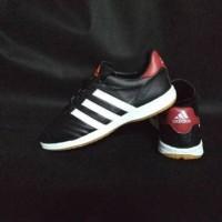 Sepatu futsal Adidas bahan kulit asli