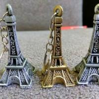 souvenir pernikahan gantungan kunci menara paris resin