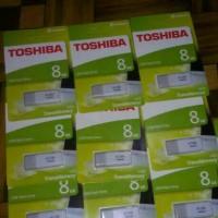 flashdisk toshiba 8gb new packing hijau / usb toshiba 8gb