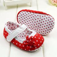 Sepatu Bayi Perempuan Prewalker Polkadot