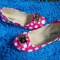Sepatu balet anak polkadot pink