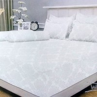 Bedcover Polos Embos Vallery 180x200 White tinggi 30 ( King size )