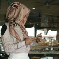 Hijab / Jilbab Hoodie motif maxmara royal saten ATM Store