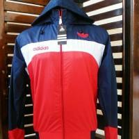 Jaket Parasut Adidas/ Running/ Jumper/ Hoodie/ Sweater/ Blazer