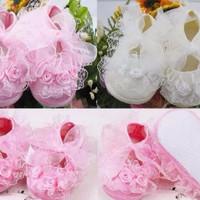 prewalker (baby) shoes - lace flower