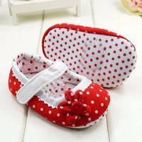 Sepatu Bayi Perempuan Prewalker Polkadot Super
