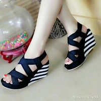 EXCLUSIVE Wedges Stripe Black White 7cm