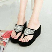 EXCLUSIVE WEDGES TB19 HITAM