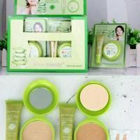 Foundation & Powder Aloevera 90% by Kiss Beauty