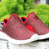 Kets Yezzy 736- Merah/Bukan sepatu vans/nike/adidas/puma/new balance