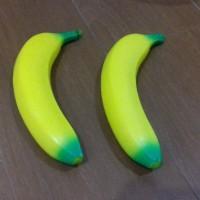Squishy pisang buah kuning soft slow rise lucu gantungan