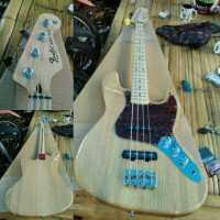 FENDER JAZZ BASS NATURAL AJIB