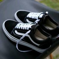 Sepatu Sneakers Pria Vans Old Skool Bw Casual Kets GRATIS 1KAOS KAKI - Hitam, 40
