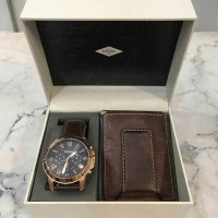 Jam Fossil Original. Fossil Men Watch Gift Set with Clip Wallet NWT