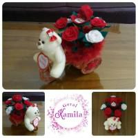 kado hadiah romantis boneka bunga kotak cincin