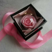 Rose Bagcharm with Gift Box / Clay Rose Handmade / Hadiah Wisuda