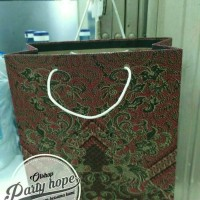 Paper Bag Motif Batik Kecil/ Tas Kertas Motif Batik/ Tas Karton 25x20