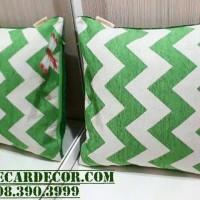 sarung bantal kursi zig zag hijau minimalis