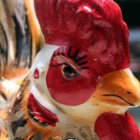 Celengan Gerabah Ayam Emas 42x30cm dari Tanah Liat Bakar
