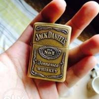 Korek Gas Model Zippo Jack Daniels (motif timbul)