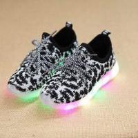 Shoes yezzy loreng LED sz 26-30 - Pink sz 26