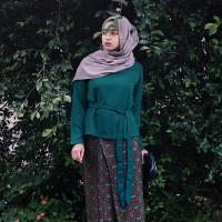 Atasan Wanita Berpita Lengan Panjang Hijau Zamrud, Hitam dan Putih