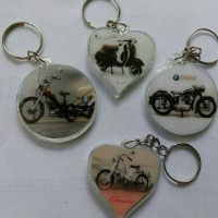 souvenir pernikahan gantungan kunci motor