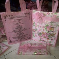 Tas  Undangan  pakai alas motif Bunga Pink