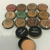 CONCEALER & HIGHLIGHT BY KYLIE