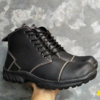 sepatu safety kickers full black