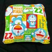 Bantal Tangan Doraemon Hijau