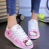 Sepatu Kets Hello Kitty Wanita SP33