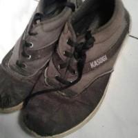sepatu merek kasogi ori black silf sport/kets/school preloved bekas