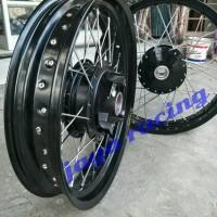 sepaket lengkap velg ring 17 tapak lebar motor classic cb 100 Honda 70