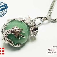 VeE Liontin Terapi Kesehatan Model Bulat Pelukan Naga Batu Giok Hijau